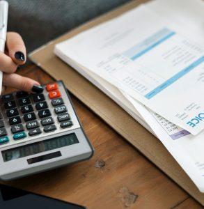 calculating invoice